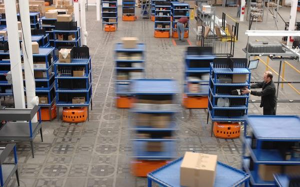 亚马逊提前完成部署 10000 机器人的目标