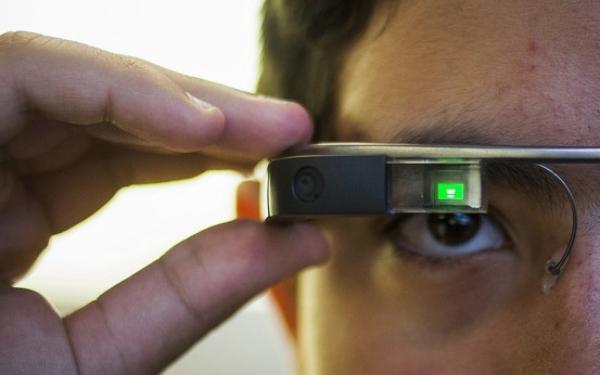 英特尔发力可穿戴,将为下代 Google Glass 提供芯片