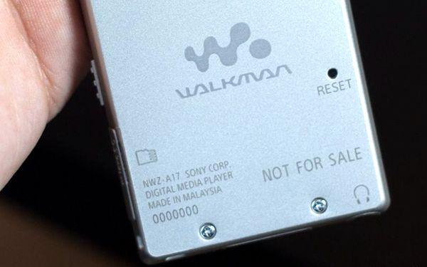 http://cdnzz.ifanr.com/wp-content/uploads/2015/01/Walkman-NWZ-A17.jpg