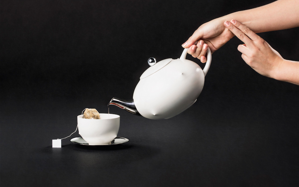 3044257-slide-s-5-a-tea-set-that-feels-your-stress